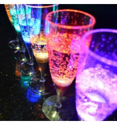 Champagne vidrio con LED x6, 150ml